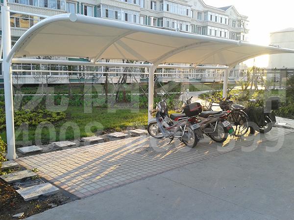 黑龙江二道河车棚 膜结构停车棚:车辆的保护者,节省占地,单侧悬挑结构