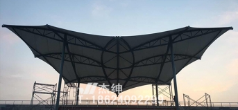 鞍山13中学-体育场看台
