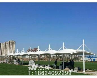 沈阳城建学院足球场休息处膜结构罩棚