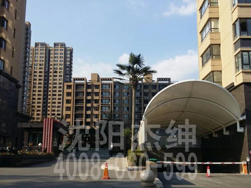 建筑造型优美  膜结构建筑是21世纪最具代表性与布满